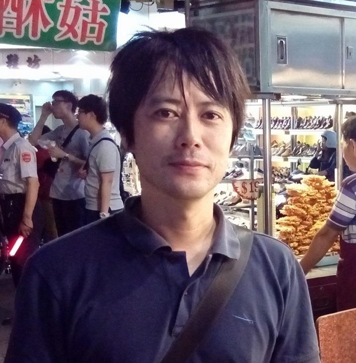 笹沼俊曉  副教授